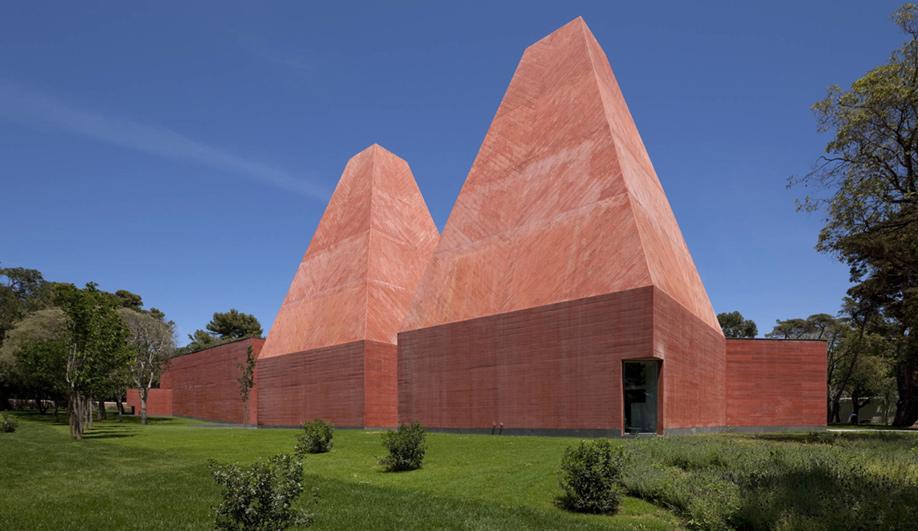 Eduardo Souto de Moura wins the Pritzker Prize 02