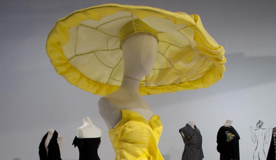 On exhibit The genius couture of Yohji Yamamoto 06