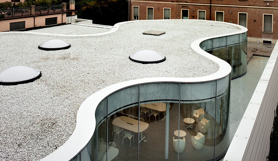 A brilliant library in northern Italy 04
