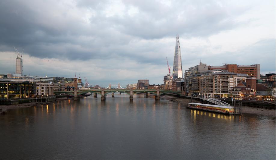 London 2012 The Shard defies its critics 01