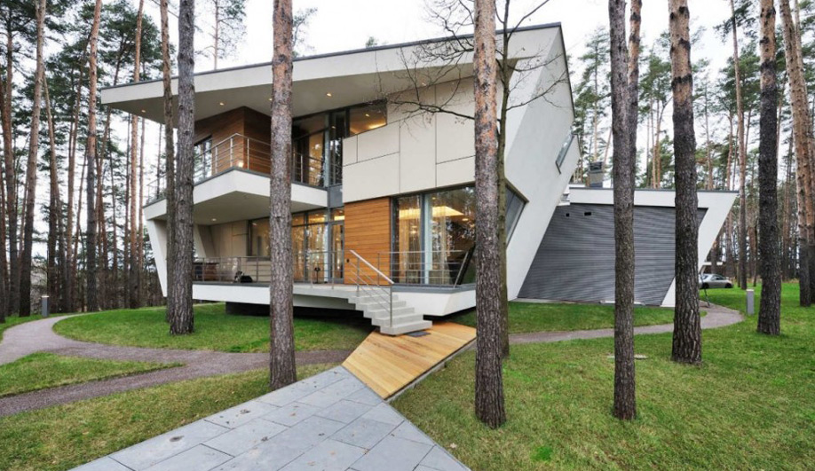 Summer Home Hilltop house in Moscow 01