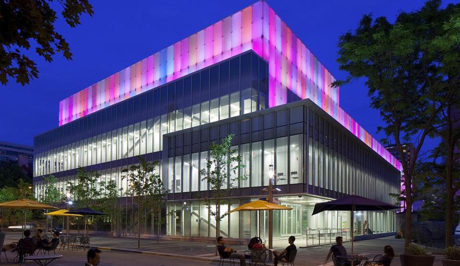 A dazzling photo gallery by Diamond Schmitt Architects 01
