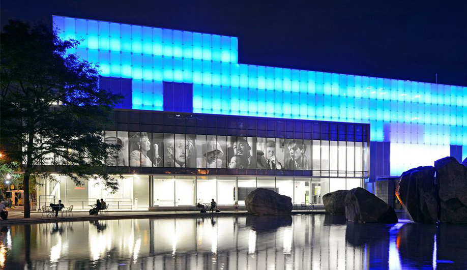 a dazzling photo gallery by Diamond Schmitt Architects 02