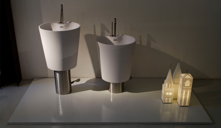 Bath fixtures with a universal design 01
