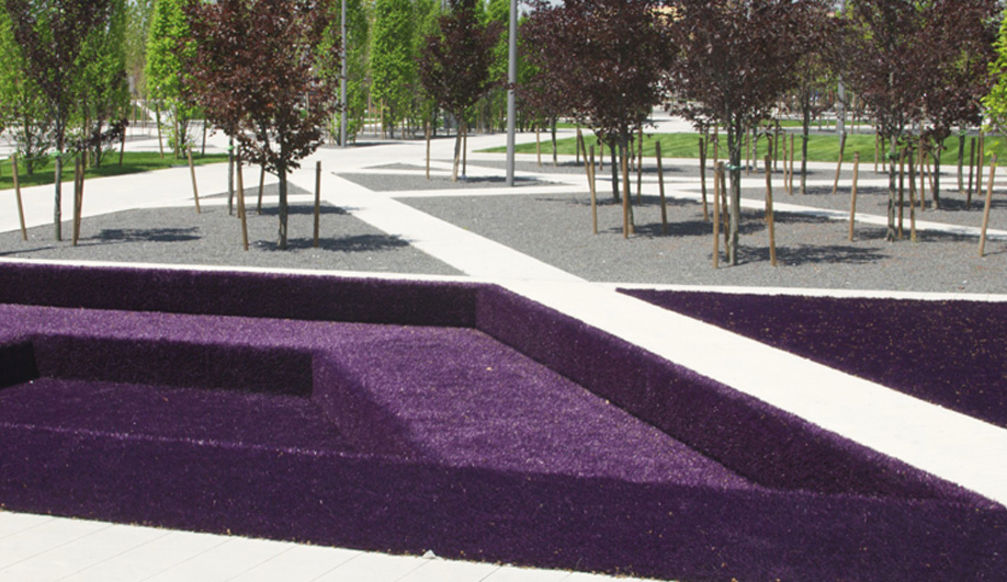 GH3 Maze of a Park Opens in Mississauga 03