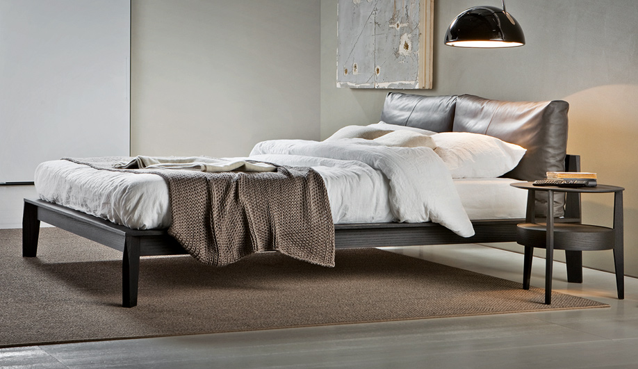 Molteni and c azure magazine for Molteni furniture