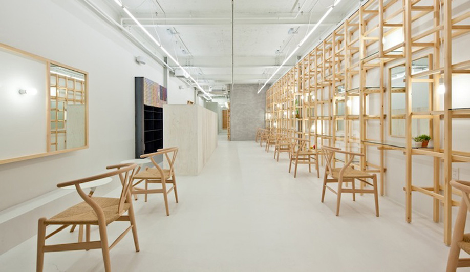 A Super-Minimalist Beauty Salon in Osaka