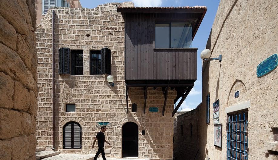 Azure Revamping a Rustic Tel Aviv Home 02