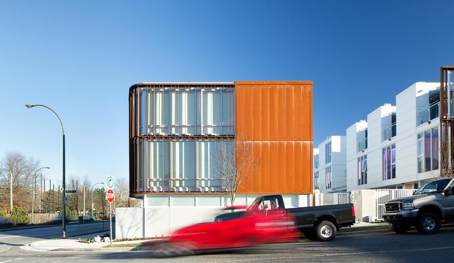 A Townhouse Complex That Builds Community