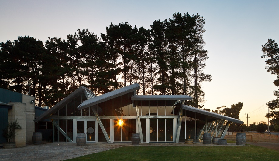 Leura Winery Pavilion in Curlewis, Australia, by Centrum Architects