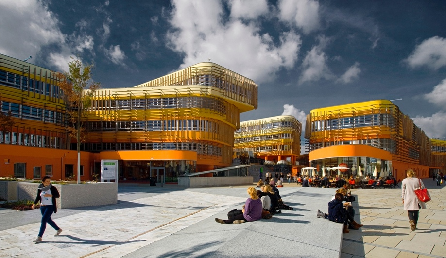 The inaugural Colour Prize went to Cook Robotham Architectural Bureau's building for the Departments of Law and Central Administration at Vienna University of Economics and Business.