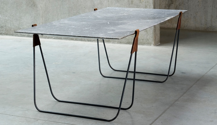 Azure In Vein Trestle Table Interieur 2014