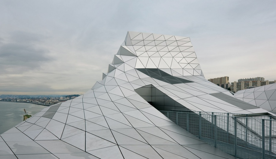 Azure-2014-Top-10-Big-Architectural-Projects-21