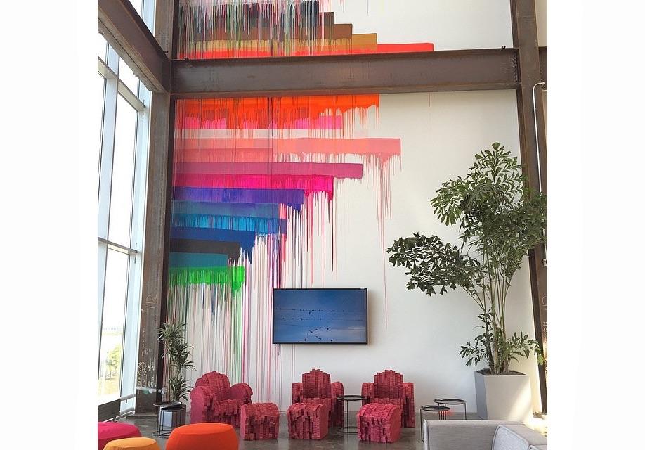 Azure-Gehry-Facebook-Instagram-mpk20-03