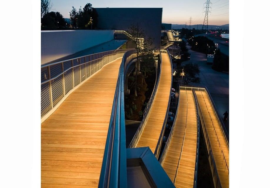 Azure-Gehry-Facebook-Instagram-mpk20-18
