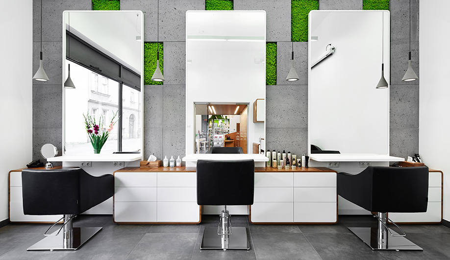 Moss and Concrete Define This Salon in Krakow