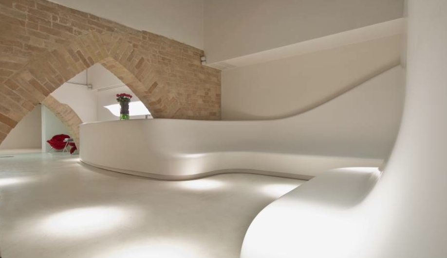 A Sleek Spa Interior that Promotes Wellness