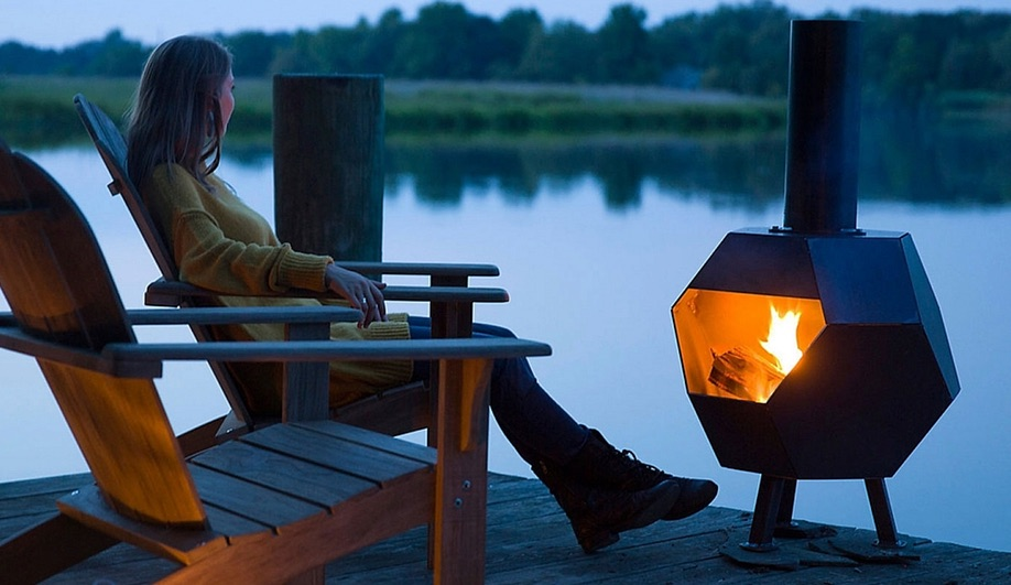 5 Outdoor Fireplaces for Fall