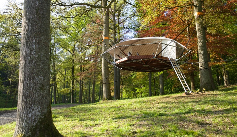 Azure-Treehouses-Dom-Up-by-Trees-and-People