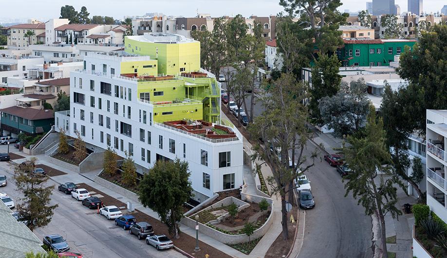 A Vibrant University Residence in California