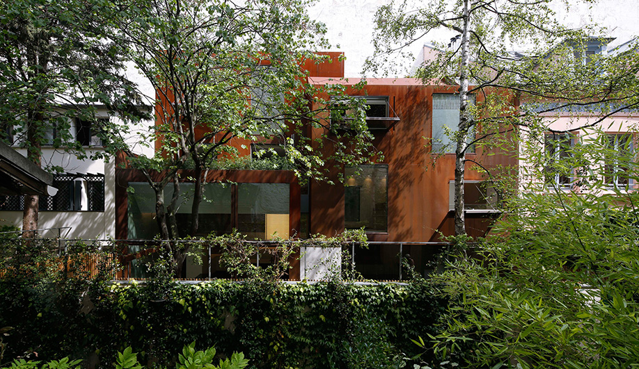 The Corten-Clad Cubist House in Paris