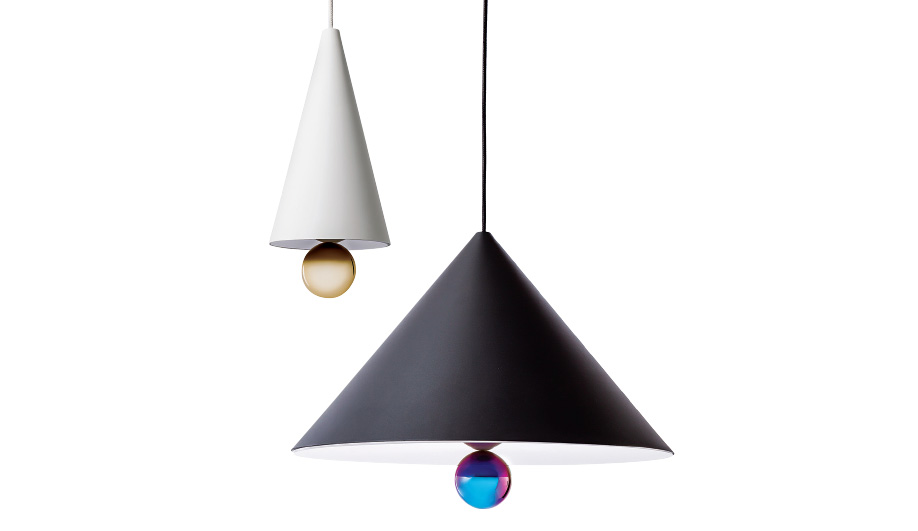 An earlier prototype that was part of the BIG! series evolved into the Cherry pendant lamps, now produced by Petite Friture.