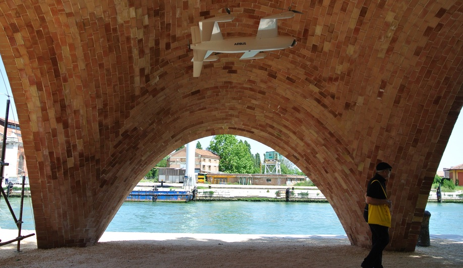 Norman Foster's Droneport at the 2016 Venice Architecture Biennale