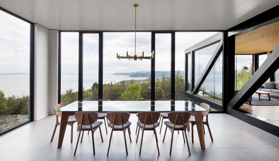 A Riverside Chalet in Quebec with Breathtaking Views