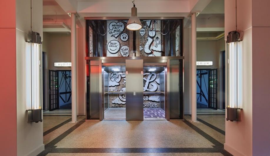 Azure-DesignAgency-Generator-Amsterdam-Hotel-05