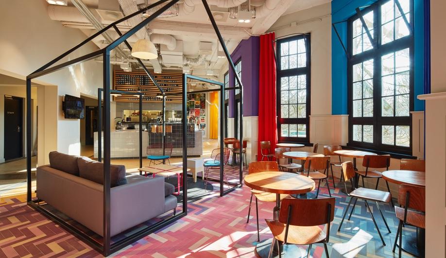 Azure-DesignAgency-Generator-Amsterdam-Hotel-11