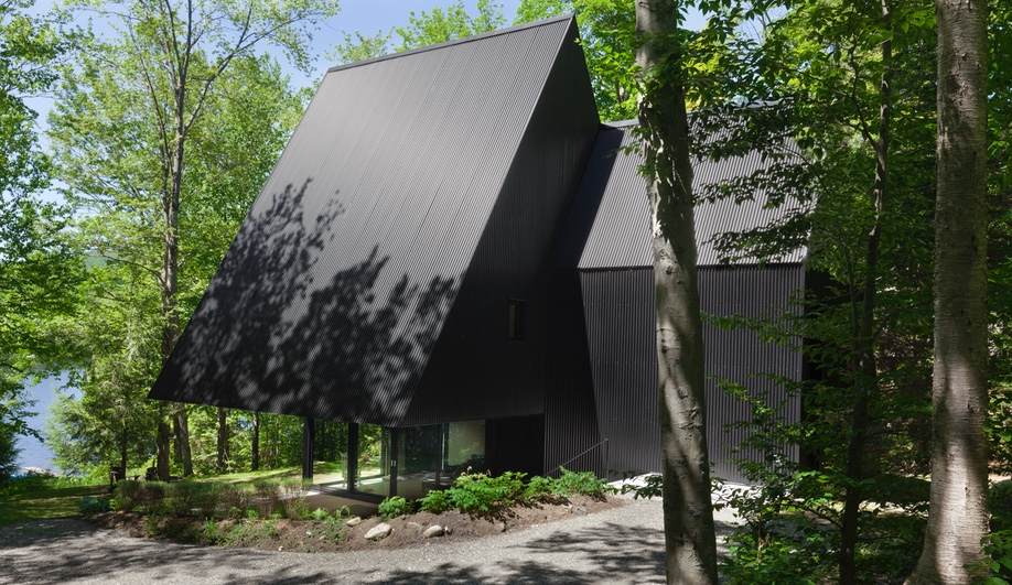 A Bold Cottage in the Eastern Townships of Quebec