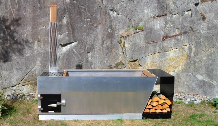 SOAK-outdoor-tub-2-Azure