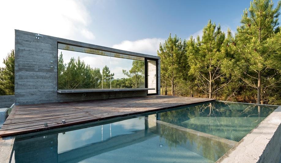 Summer Hotspots: 4 Eye-Popping Pools