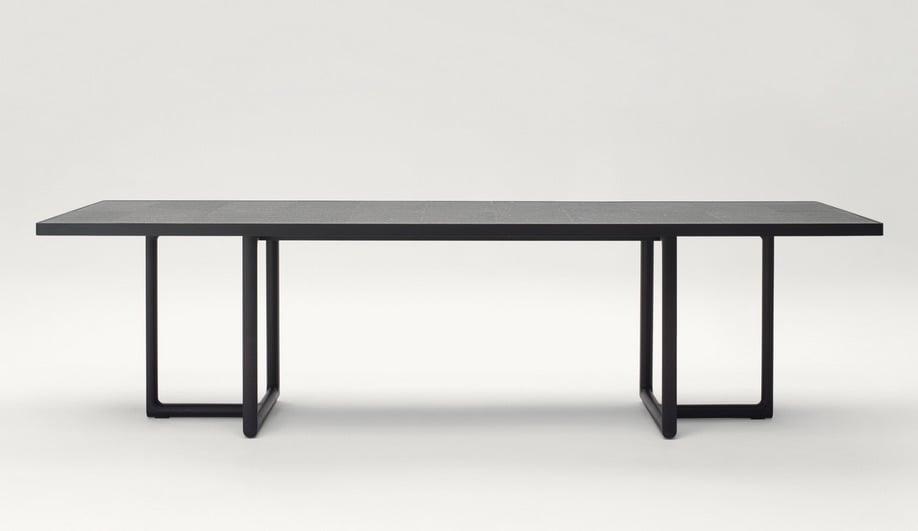 azure-vincent-van-duysen-designer-of-the-year-biennale-interieur-2016-paola-lenti-04