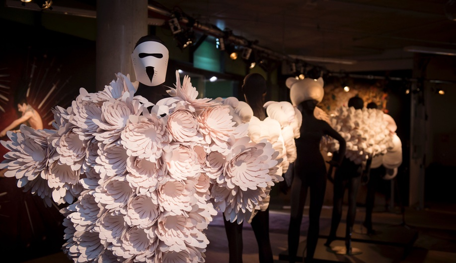 Designer Bea Szenfeld Uses Paper to Create Incredibly Elaborate Costumes