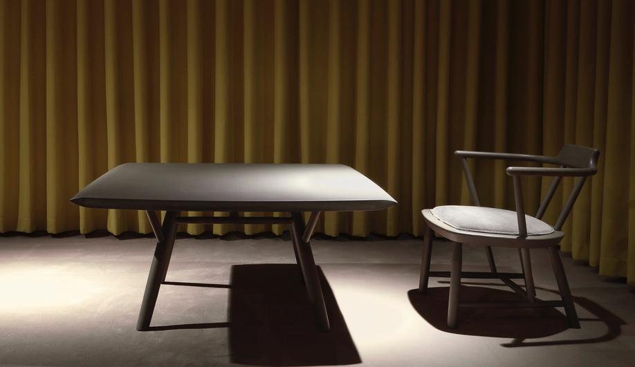 design-exchange-intersection-yabu-pushelberg-oiseau-lounge-chair-azure