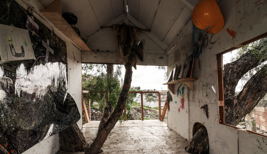 The interior of Chim Pom's treehouse on the U.S.-Mexico border.