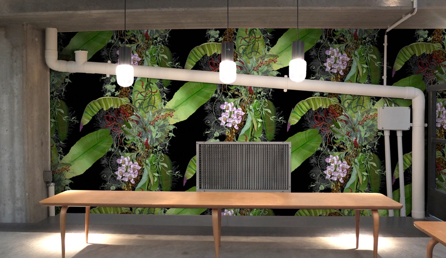 Azure-Wild-Wallpaper-Timorous-Beasties-Tropical-Black