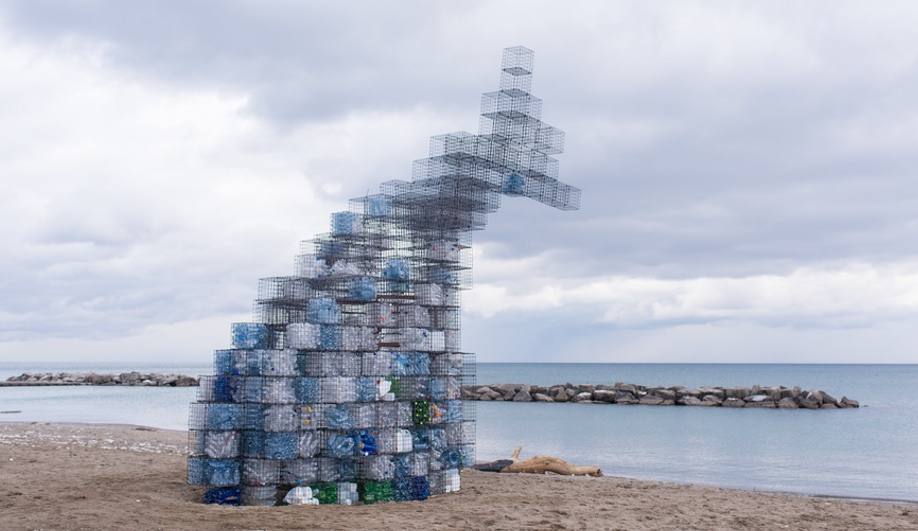 Artists Turn Toronto Lifeguard Towers into Follies for Winter Stations 2017