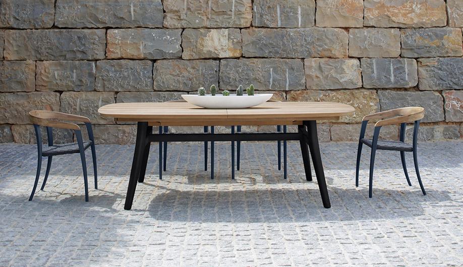 Jive Chair and Zidiz 320 Table by Royal Botania