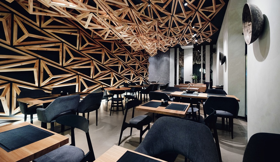 Wood interiors: Kido sushi bar