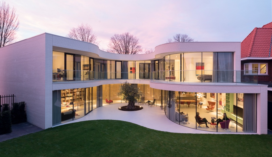 "MVRDV Designs a ""Villa of Contrasts"" Near Rotterdam"