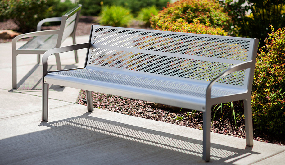 Best Materials for Outdoor Projects: stainless steel