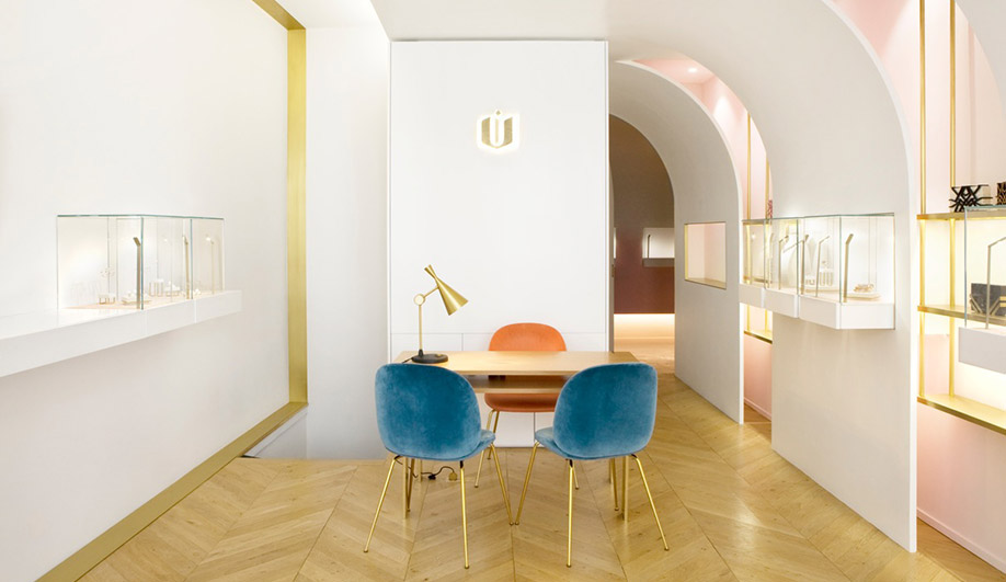 A Pretty-in-Pink Jewellery Boutique in Paris