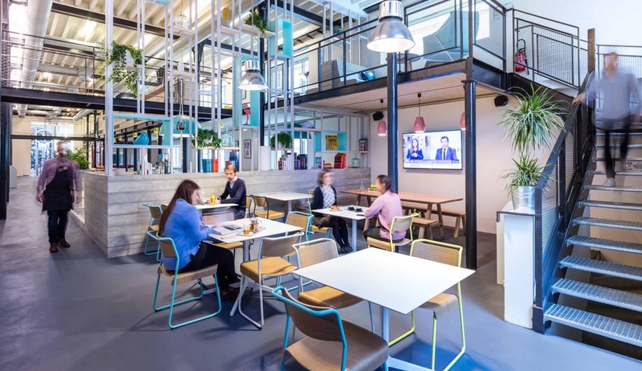 beautiful-coworking-spaces-deskopolitan-moreysmith-7-azure