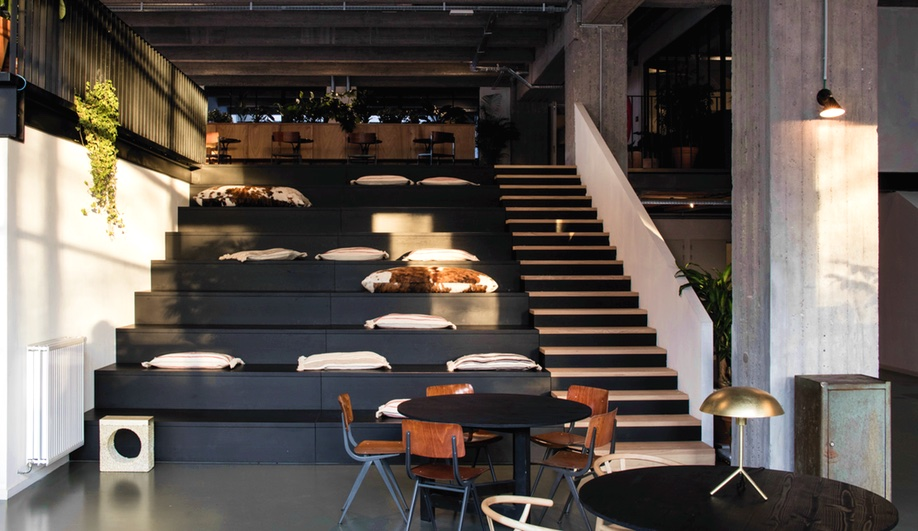 beautiful-coworking-spaces-fosbury-and-songs-going-east-1-azure