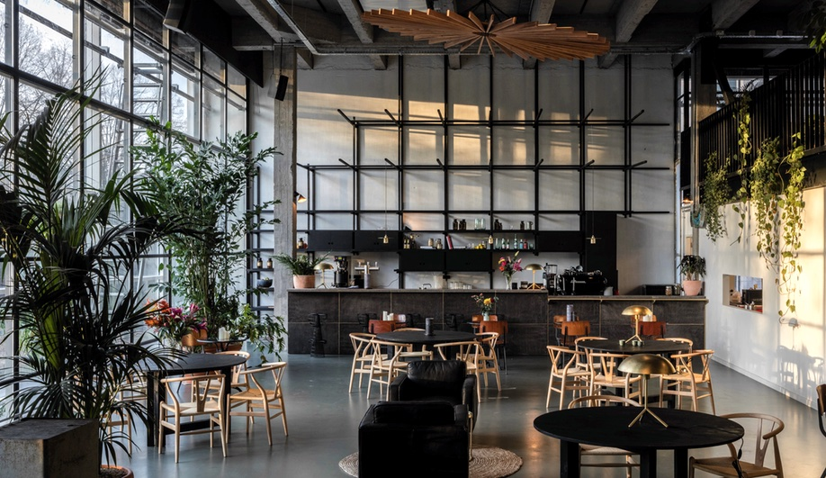 beautiful-coworking-spaces-fosbury-and-songs-going-east-2-azure
