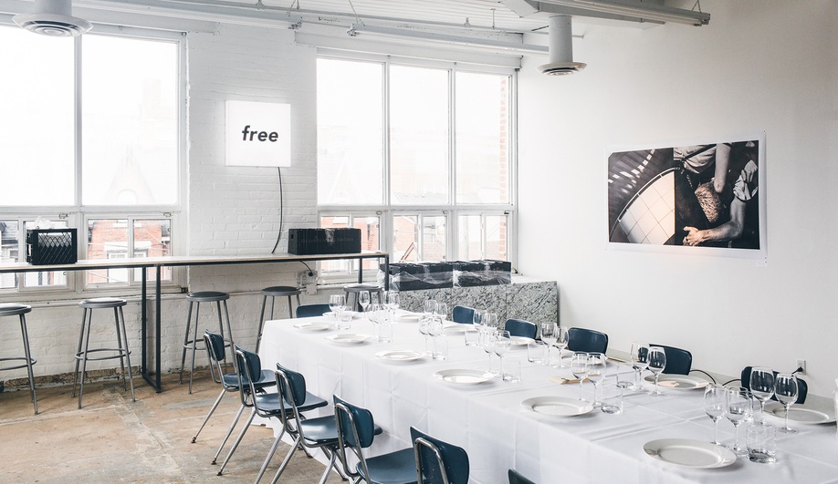 beautiful-coworking-spaces-free-studio-tom-chung-1-azure