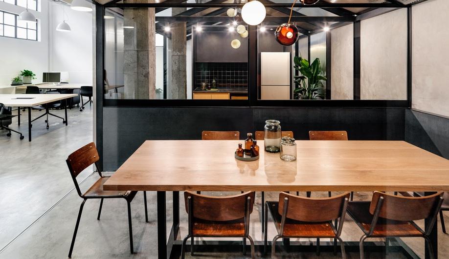 Herschel-Supply-Office-Shanghai-Linehouse-4-Azure