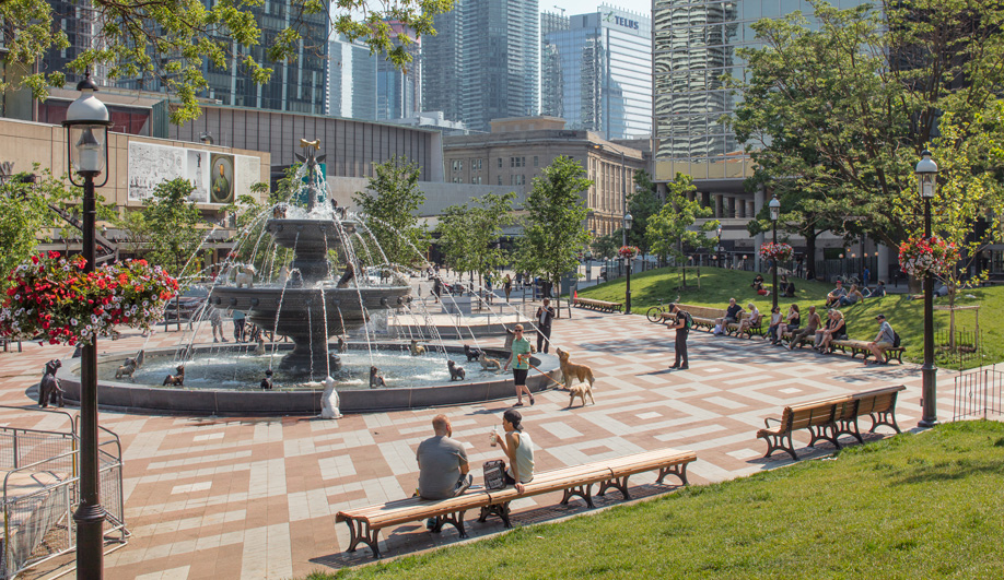Whimsical Berczy Park Makes a Splash in Toronto